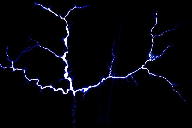 給湯器が落雷で故障した場合の対処法や予防法